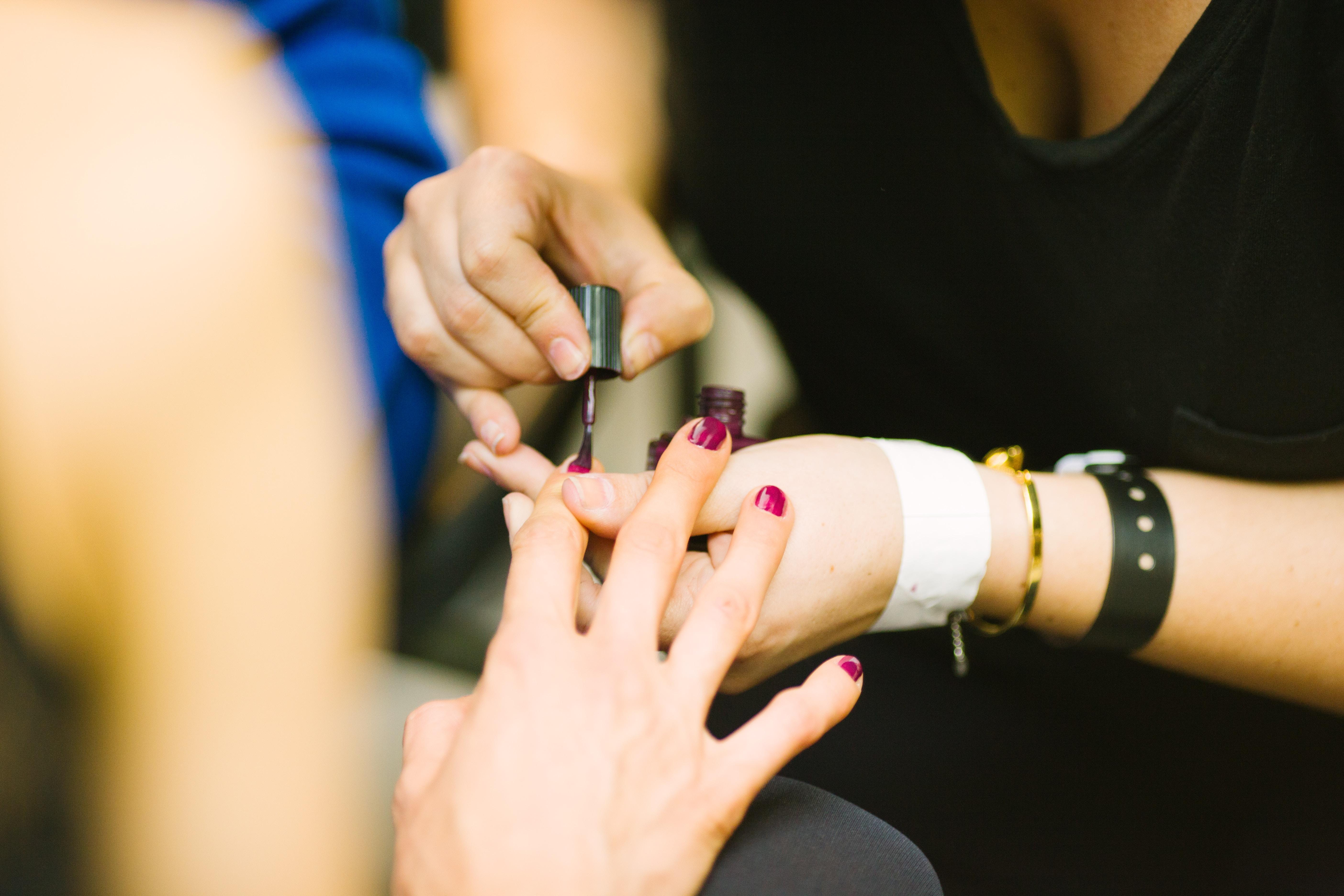 La ricostruzione unghie può rinforzare le unghie solo se fatta nel modo corretto