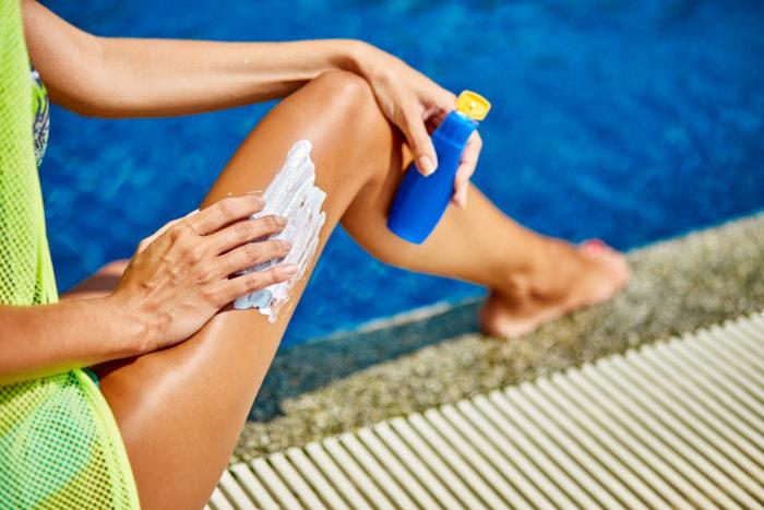 Una crema solare con protezione 50 è perfetta per le pelli chiare, il 30 va bene per tutti gli altri