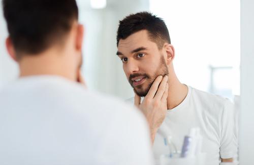 Come reidratare la pelle dopo la rasatura e proteggerla dalle irritazioni