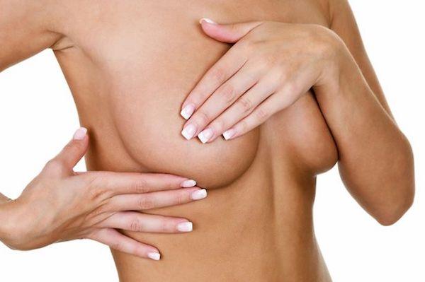 Per riuscire a scongiurare il problema del seno cadente puoi utilizzare quotidianamente una giusta crema per rassodare il seno ed evitare vizi come il fumo e dimagrimenti troppo rapidi