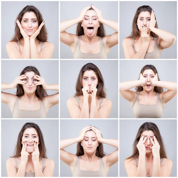 Esercizi di yoga facciale per combattere rughe e microrughe di viso, occhi e labbra